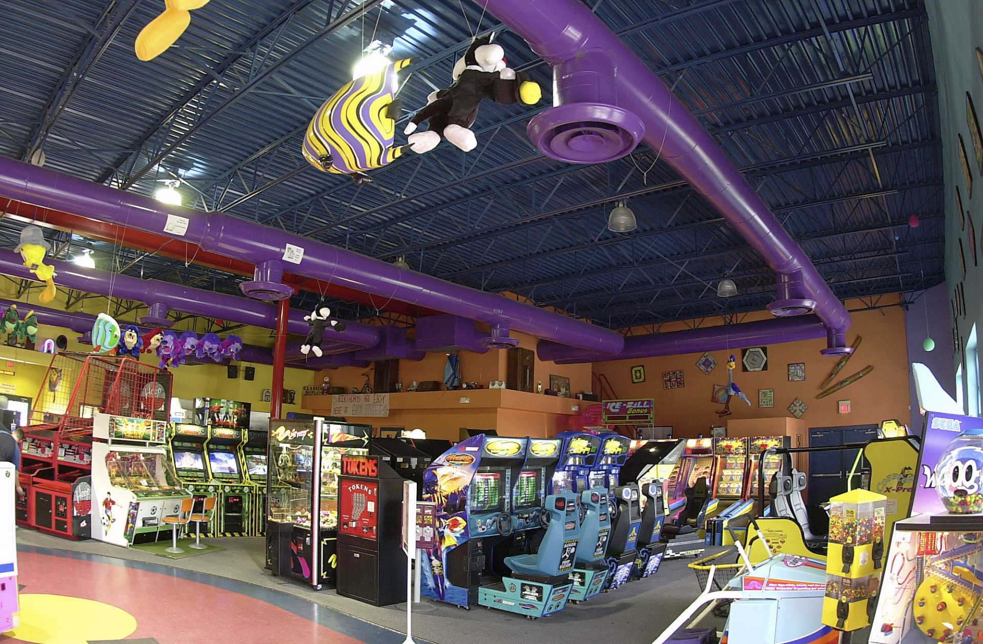 FAMILY FUN CENTER (5)